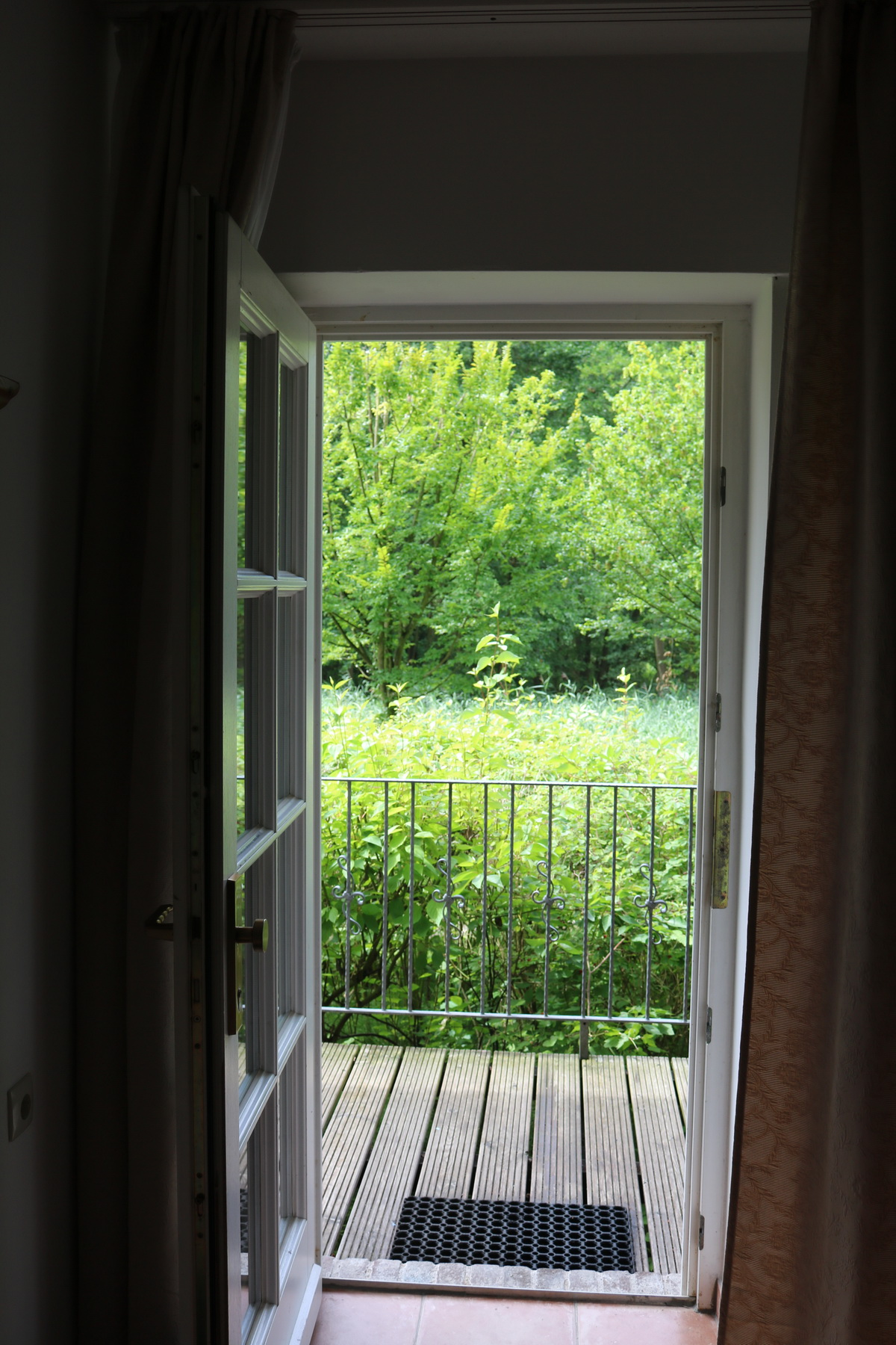 Ein Blick aus der Tür